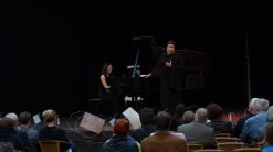 Esther Baar (Gesang) und Mai Nishiyama-Schultz